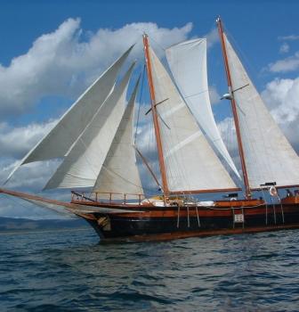 Caicco tra le isole del Dodecanneso
